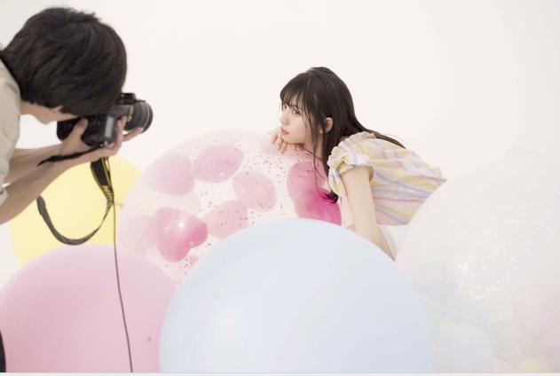齋藤飛鳥の撮影の様子(「anan特別編集 乃木坂46真夏の全国ツアー2018 公式SPECIAL BOOK」)