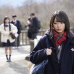 ドラマ「ボーダレス」第1話の場面写真(手前:森田ひかる、奥:齊藤京子)