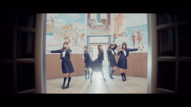 欅坂46・青空とMARRY『割れたスマホ』MVのダンスシーン
