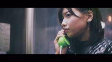 欅坂46・青空とMARRY『割れたスマホ』MVの渡邉理佐