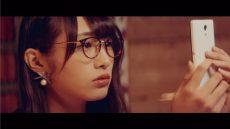欅坂46・青空とMARRY『割れたスマホ』MVの渡辺梨加
