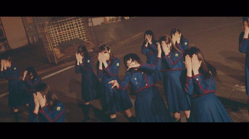 欅坂46『不協和音』MVの1シーン