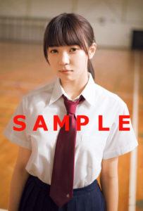 「graduation2018 高校卒業」限定ポストカード(欅坂46・小林由依/東京ニュース通信社)