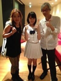 (左から)クラッシャー木村、乃木坂46生田絵梨花、佐久間正英