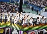 乃木坂46、全曲披露の明治神宮野球場3DAYSが開幕!休養明けの桜井玲香を迎え5thシングルまで全44曲披露
