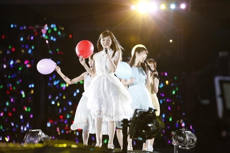 乃木坂46の神宮球場3DAYS、2日目も雨に打たれながら完遂 「乃木團」が新体制で復活ライブ