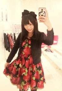 MILKの展示会に行ったSKE48松村香織