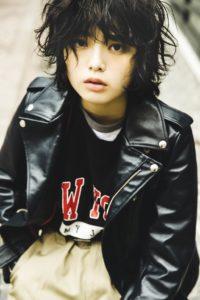 「KEYAKI ~2018 SummerツアーメモリアルBOOK~」通常版・Side-B かっこいい欅(モデル:平手友梨奈/小学館)