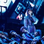 欅坂46『月曜日の朝、スカートを切られた』センターは渡邉理佐(撮影:上山陽介/ライブ:「欅坂46 2nd YEAR ANNIVERSARY LIVE」)