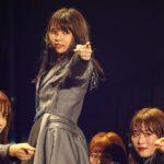 欅坂46『風に吹かれても』センターは小林由依(撮影:上山陽介/ライブ:「欅坂46 2nd YEAR ANNIVERSARY LIVE」)