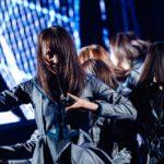 欅坂46『不協和音』センターは菅井友香(撮影:上山陽介/ライブ:「欅坂46 2nd YEAR ANNIVERSARY LIVE」)