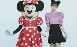 ミニーマウスと齋藤飛鳥が雑誌「sweet」で共演