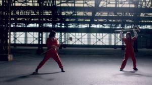 映画『あさひなぐ』を彷彿させる西野七瀬と白石麻衣の殺陣シーン(『心のモノローグ』MV)