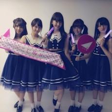 (左から)川後陽菜、永島聖羅、小嶋陽菜、斉藤優里、中田花奈