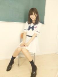 乃木坂46の制服コスプレをした中村葵