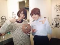 橋本奈々未(左)、中山明日実(右)