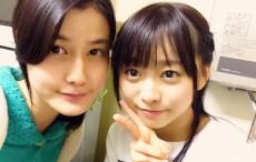 女優の橋本愛さん(左)と乃木坂46の伊藤寧々(右)