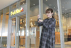 伊藤かりんが「ラーメンWalkerキッチン」に潜入調査(KADOKAWA「ラーメンWalker埼玉2021」)
