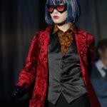 主人公・七色いんこ役を演じる伊藤純奈(舞台『七色いんこ』)