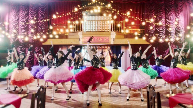 乃木坂46『三角の空き地』MVのダンスシーン