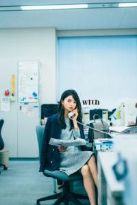 齋藤飛鳥が「乃木坂OLプロジェクト」第2弾に登場(講談社「with」2018年11月号)