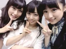 (左から)矢田里沙子、伊藤寧々、米徳京花