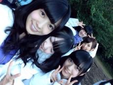 (前列左から)斉藤優里、渡辺みり愛、寺田蘭世。(後列左から)伊藤純奈、新内眞衣